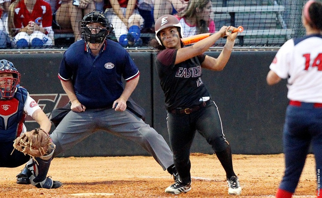 Softball Sweeps Tennessee State on Friday