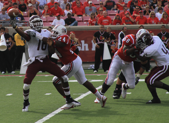 Cards use 2nd quarter to defeat Colonels