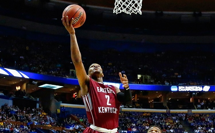 Colonels upset 18th ranked Hurricanes